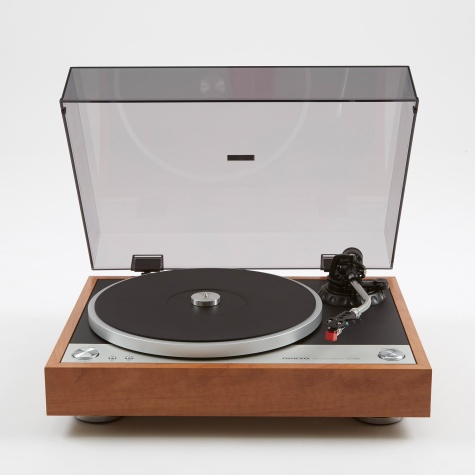 CP-1050 Direct Drive Turntable - Wood