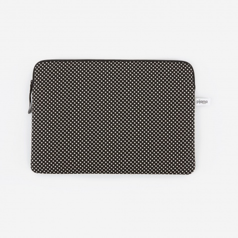 "Zip Case for MacBook 13"" - Dotty Small Black"
