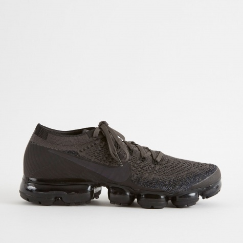 Air Vapormax Flyknit Shoe - Midnight Fog/Mulit-Colour-Black