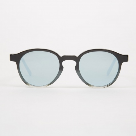 The Iconic Sunglasses - Monochrome Fade