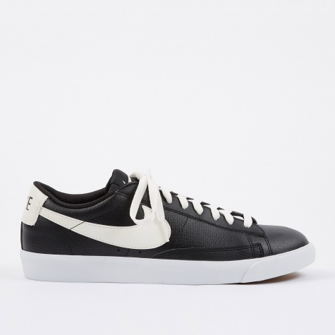 Blazer Low Leather - Black/Ail-Gum Med Brown