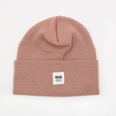 Gerald Tall Beanie - Dark Rose