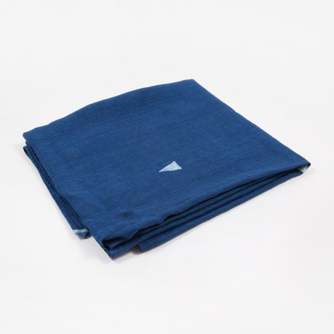 Hannah Indigo Throw - White Triangles
