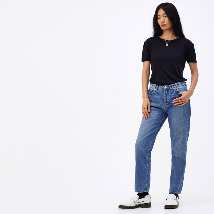 Wood Wood Eve Cropped Jeans - Classic Blue Vintage (Image 1)