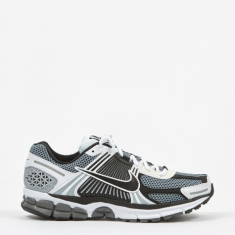 Nike Zoom Vomero 5 SE SP - Dark Grey / Black / White Sail