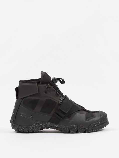 x Undercover SFB Mountain - Black/Sail-Black