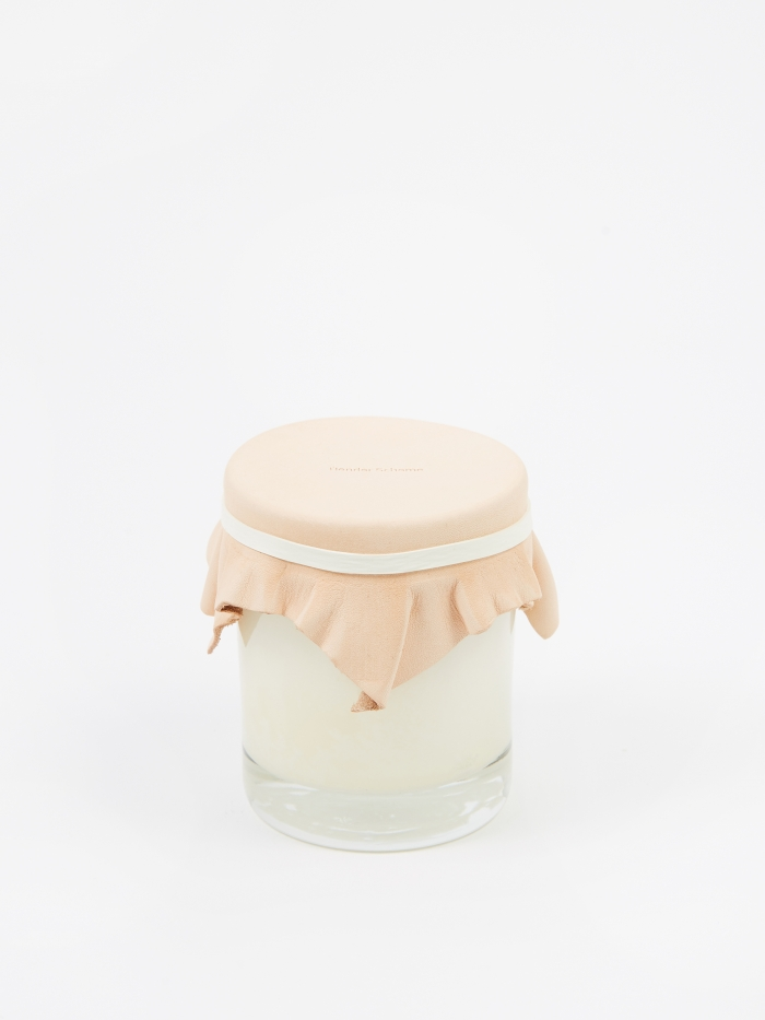 Hender Scheme 180g Candle - Smoky Leather (Image 1)