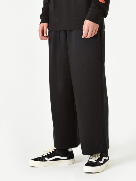 6397 Wide Leg Pull On Trouser - Black