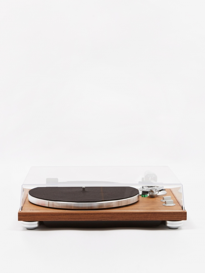 TEAC TN-400BT Analogue Bluetooth Turntable - Walnut (Image 1)