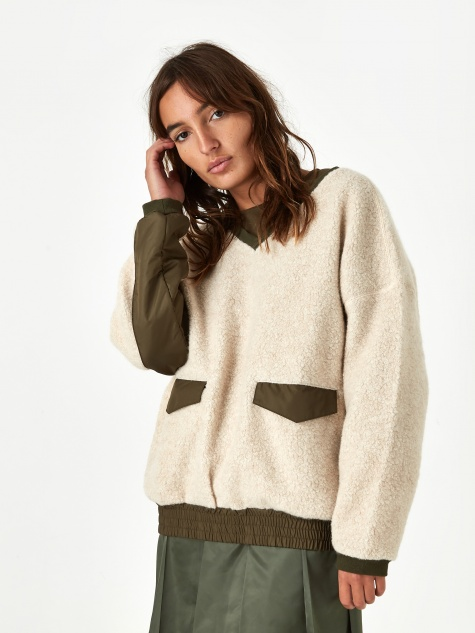 Swithing Fluffy Sweatshirt - Ivory
