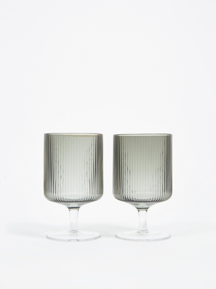 Ferm Living Ripple Wine Glasses Set of 2 - Smoked (Image 1)