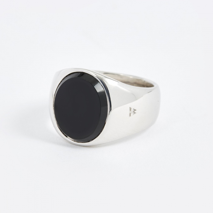 Tom Wood Oval Ring - Polished Onyx (Image 1)