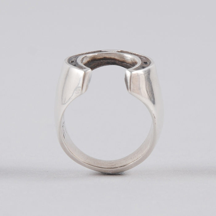 Dog State Horse Shoe Ring - Silver (Image 1)