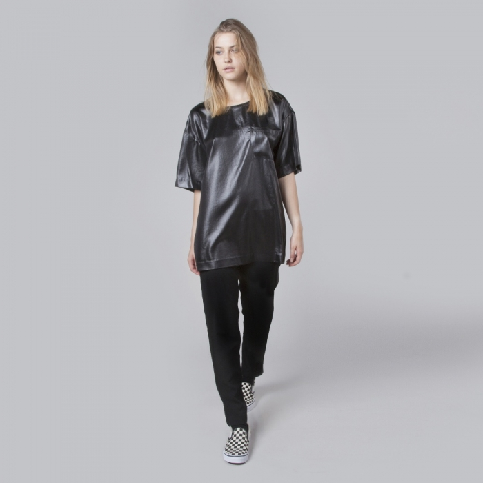 DKNY S/S T-Shirt With Chest Pocket - Black (Image 1)